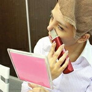 \ページ限定・カードケース付/ 【送料無料・代引料無料・保証付】 【アクアフューチャースキン EV-1000】 充電式コードレス超音波美顔器 充電式美顔器 コードレス美顔器 超音波美顔機