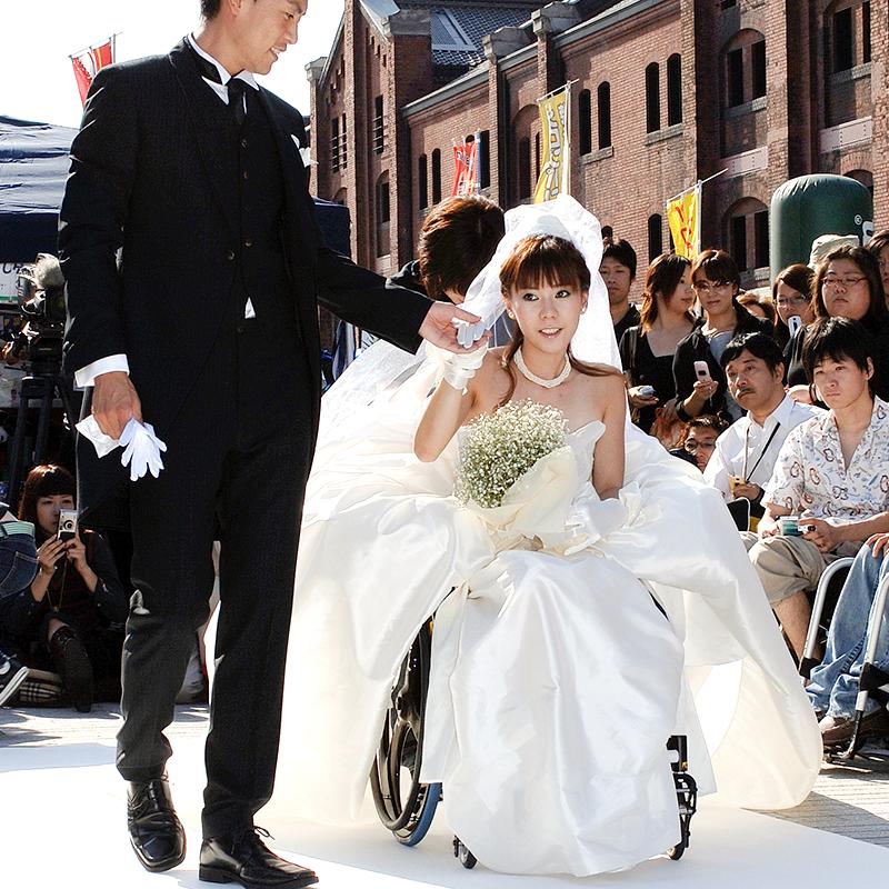 Piroracing: Wheelchair ユーザーウェディング Dress