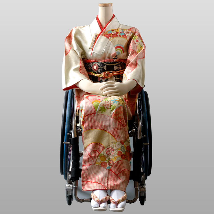 [送料無料]【車椅子の成人式】車椅子ユーザー向け振袖レンタル 車いす くるまいす 振袖 脊髄損傷、頚椎損傷 メディアで話題 成人式 卒業式 入学式【早期割引ポイント10倍】