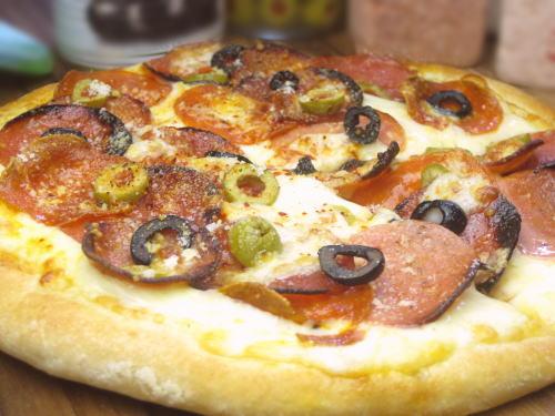 3種のサラミPIZZA(ピザ)