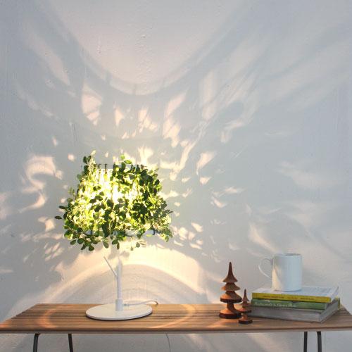 『DI CLASSE (ディクラッセ)フォレスティ テーブルランプ』 スタンドライト テーブルライト 間接照明 デスクランプ デスクライト 卓上ランプ 卓上ライト デザイン照明 オシャレ おしゃれ 葉っぱ 植物 リーフ グリーン ホワイト 緑 白 LED対応 テーブル