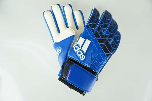 quality design 4fa48 554e1 Soccer futsal goalkeeper glove Adidas Adidas ace competition blue / core  black / white / shock pink S16 AZ3686