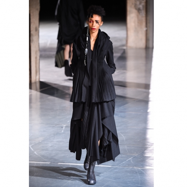 ヨウジヤマモト ファムYohji Yamamoto FEMME 混紡ウールプリーツデザインドレープスカート 黒2【中古】 【レディース】