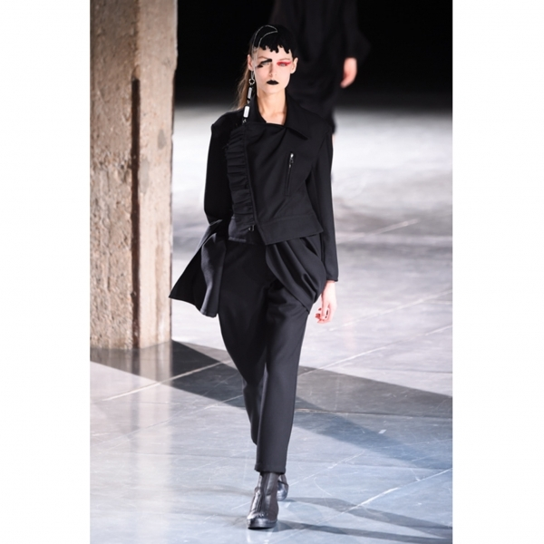 ヨウジヤマモト ファムYohji Yamamoto FEMME ウールギャバギャザーフリル装飾ライダースデザインジャケット 黒1【中古】 【レディース】