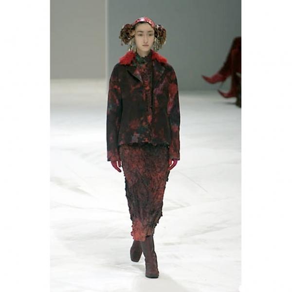 イッセイミヤケISSEY MIYAKE ムラ染め刺繍デザインスカート 黒赤他2【中古】 【レディース】