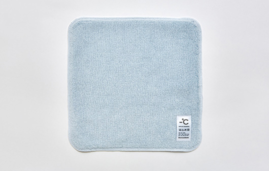 -Use towel touch sensation material zero degrees Celsius MINUS DEGREE HAND TOWEL cold feel hotter and sports. Perrocaliente