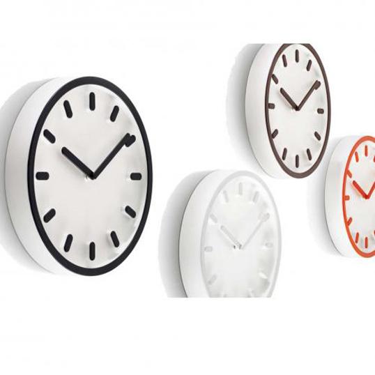 MAGIS Tempo(テンポ)深澤直人 (Naoto Fukasawa)壁掛時計インテリア送料無料リビングダイニングギフト プレゼントシンプルデザインプラスチック製