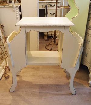 【ホワイト ブックラック付き サイドテーブル】アンティーク ヴィンテージ家具 サイドテーブル 机 猫脚 リビング 本立て 輸入 アメリカ 白