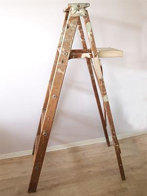【木製 ペンキ台付きステップラダー 脚立】