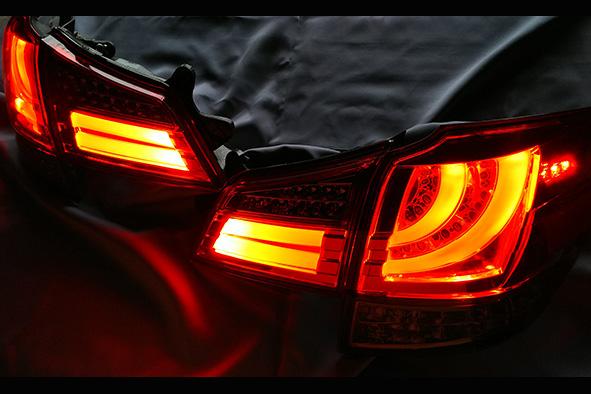 スバル レガシー ワゴン(BR)レッド/ライトスモーク フルLEDシーケンシャルウィンカータイプテールレンズ