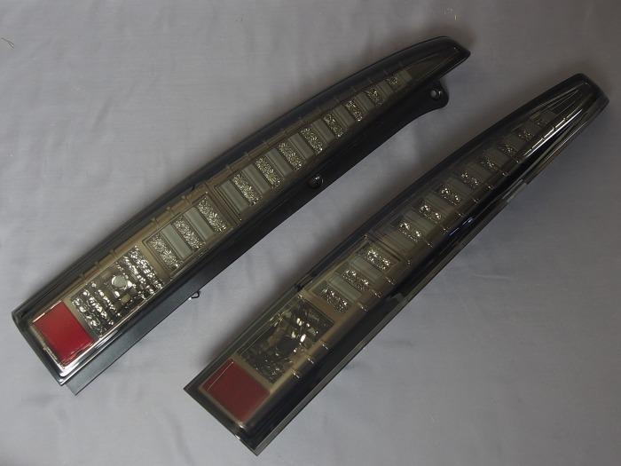 ダイハツ ムーブカジュアル(L175/185)用クロームスモーク ウィンカーLEDチューブタイプ テールレンズ