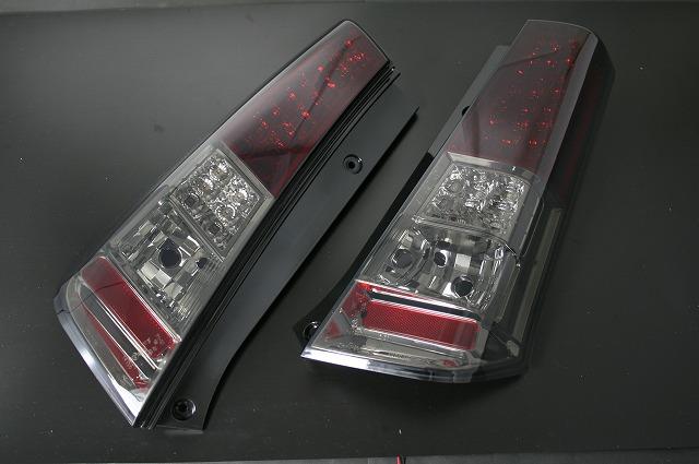 スズキ ワゴンR(MH23)レッド/スモークレンズウィンカーLED テールレンズ