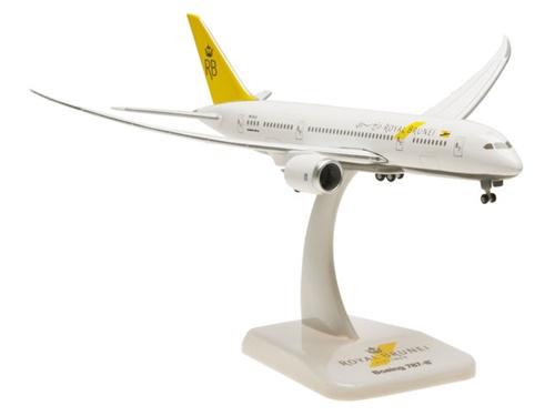 hogan Wings(ホーガンウイングス) 1/400 ボーイング 787-8 ロイヤルブルネイ航空