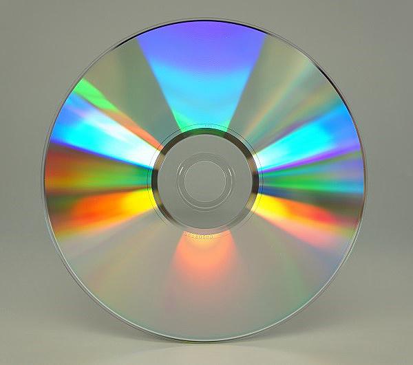 【送料無料】マイクロボード・テクノロジー T-DMR-ZZ-SK8 CMCpro データ用DVD-R/ 4.7GB/ 8倍速/ 無地光沢レーベル/ 100枚x6ロール/ 箱【在庫目安:お取り寄せ】
