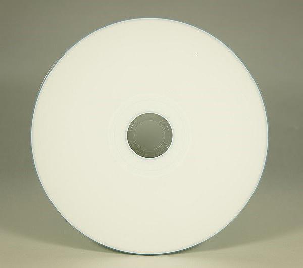 【送料無料】マイクロボード・テクノロジー T-CDR-WPP-SB-WS1 CMCpro データ用CD-R 700MB/ 48倍速/ ウォーターシールドワイドプリンタブル白/ 50枚バルクx12/ 箱【在庫目安:お取り寄せ】