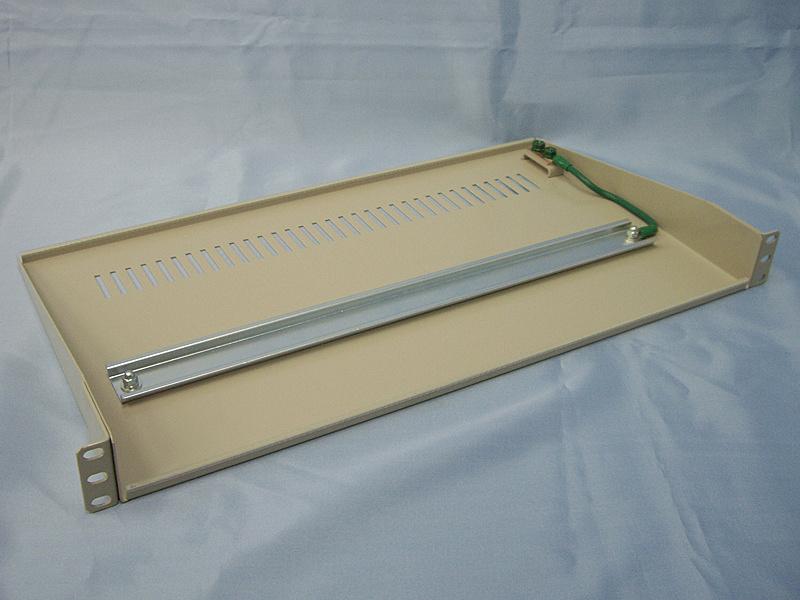 【送料無料】サンコーシヤ 3657R 19-PD35 DINレール対応SPD搭載パネル【在庫目安:お取り寄せ】| サプライ 固定 運搬 取り付け