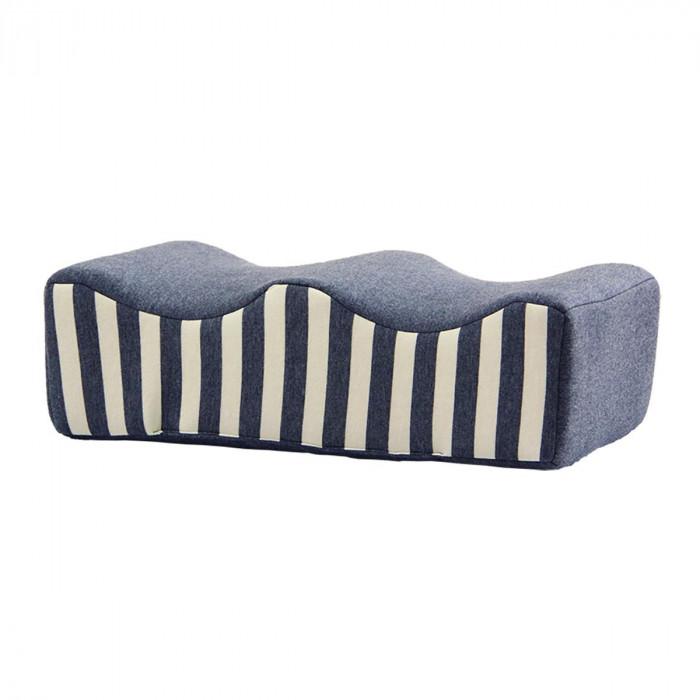 足枕は 睡眠時や横になったときに足首の下に置く枕です 永遠の定番モデル フットレスト 足置き 45×25cm 足枕 超定番 父の日
