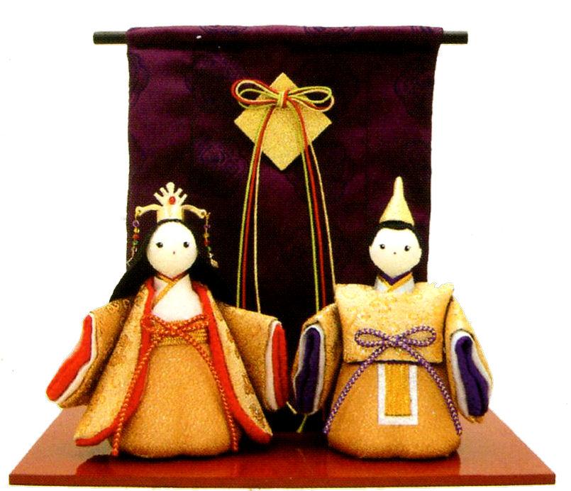 マンションサイズのコンパクトな雛人形 送料無料 大幅にプライスダウン 沖縄 離島を除く 直輸入品激安 雛人形 金色立姿雛几帳付 和雑貨 コンパクト 手作りちりめん細工 ひなまつり リュウコドウ