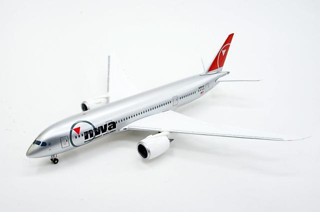 ヘルパウイングス herpa wings (561884) 1/200 ボーイング 787-8 ドリームライナー ノースウェスト航空 駐機状態 Reg.N787US
