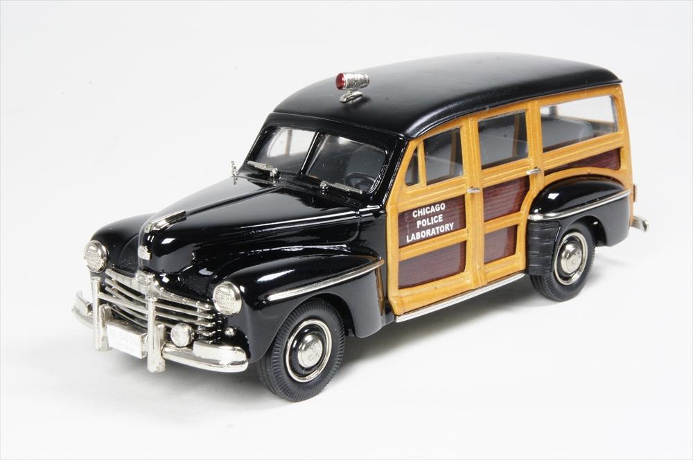 ミニカー インターナショナル ポリス ビークル (IPV45) 1/43 フォードV8 ウッディ ワゴン シカゴ警察 1948