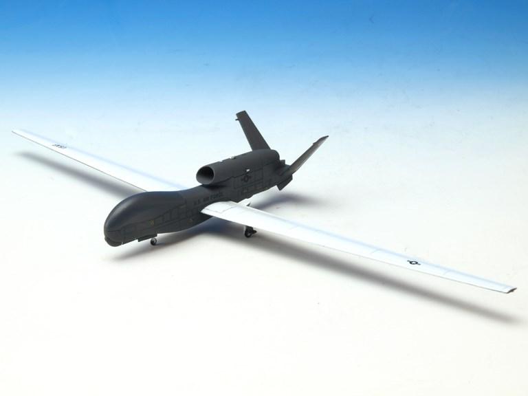 アヴィオニクス 1/200 RQ-4B グローバルホーク USAF 9RW 12RS Det.3, グァム 2011 完成品 艦船・飛行機 AV200002