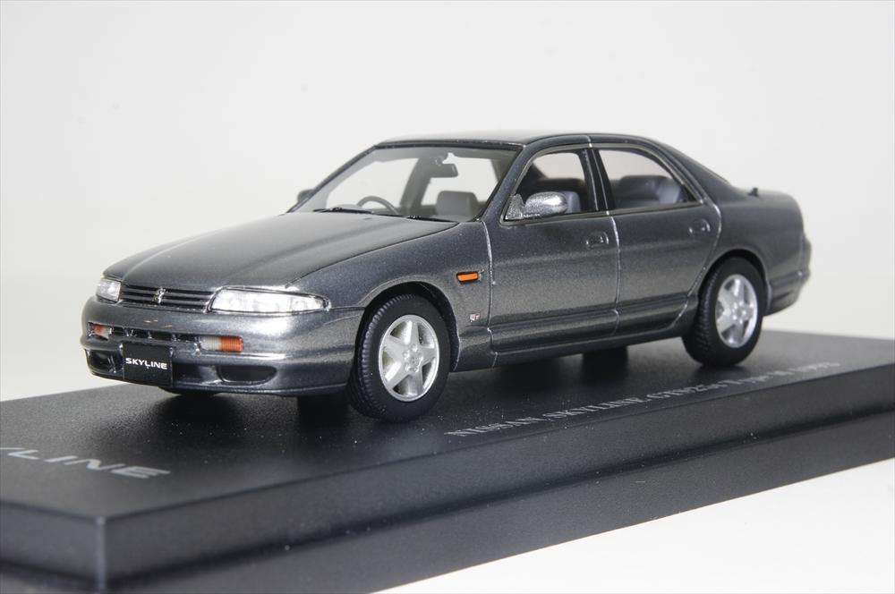 Cam@1/43 スカイライン GTS 25t (R33) 4ドアセダン 1993 灰 完成品ミニカー C43065