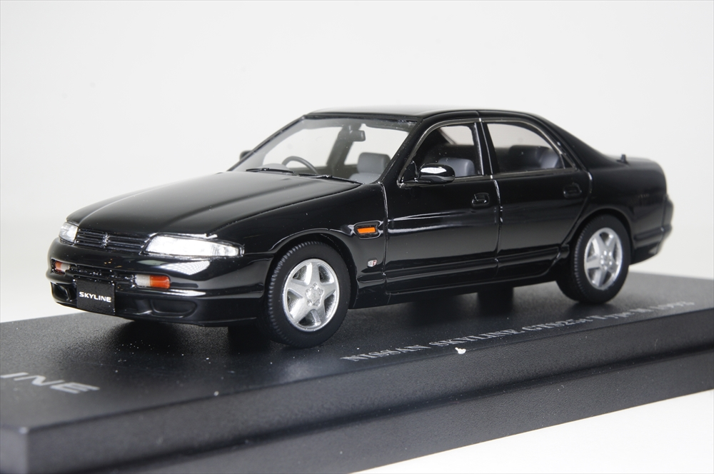Cam@1/43 スカイライン GTS 25t (R33) 4ドアセダン 1993 黒 完成品ミニカー C43066