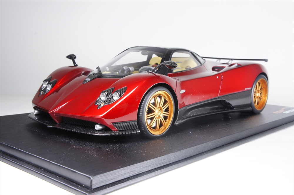 トップスピード1/18 パガーニ ゾンダ ロッソ ドバイ 完成品ミニカー TS0098