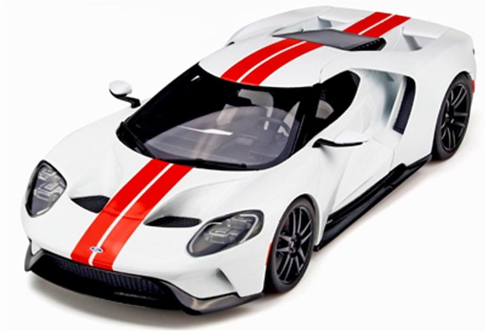 GTスピリット1/18 フォード GT ホワイト/レッドストライプ 完成品ミニカー GTS097