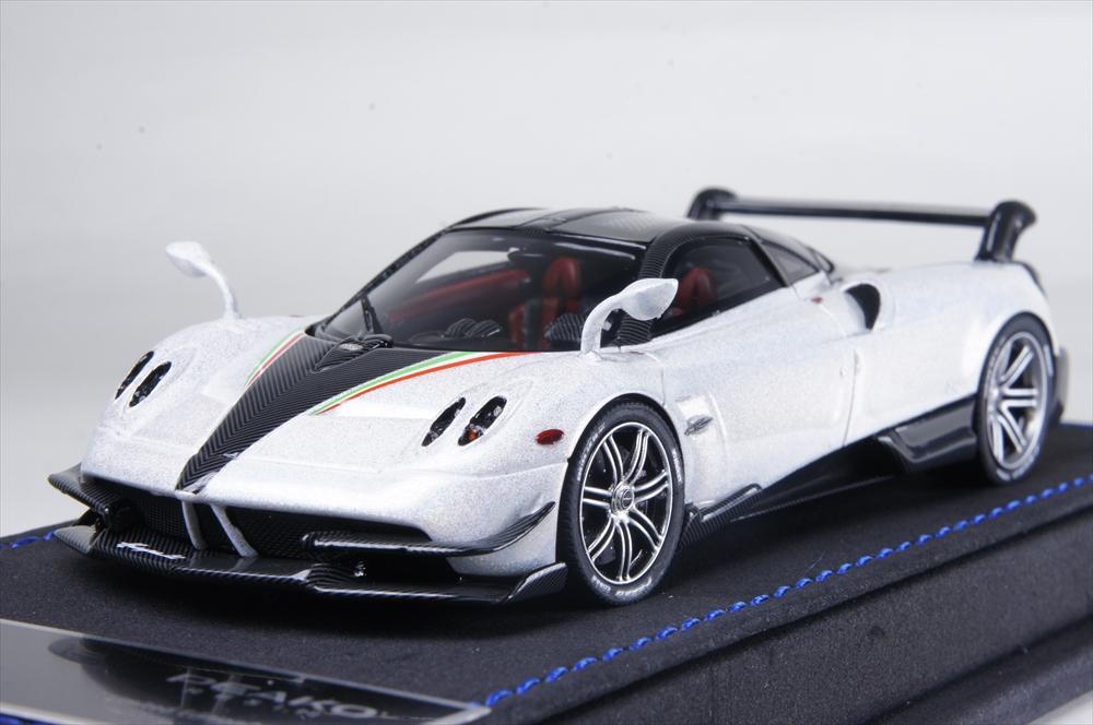 ピーコ1/43 パガーニ ウアイラ BC カメレオンホワイト 完成品ミニカー PE31115