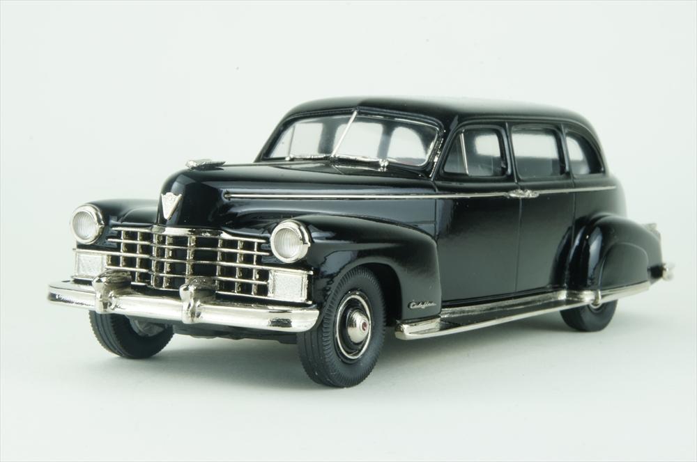 ブルックリン 1/43 キャデラック シリーズ 75 リムジン 1947 完成品ミニカー BML27