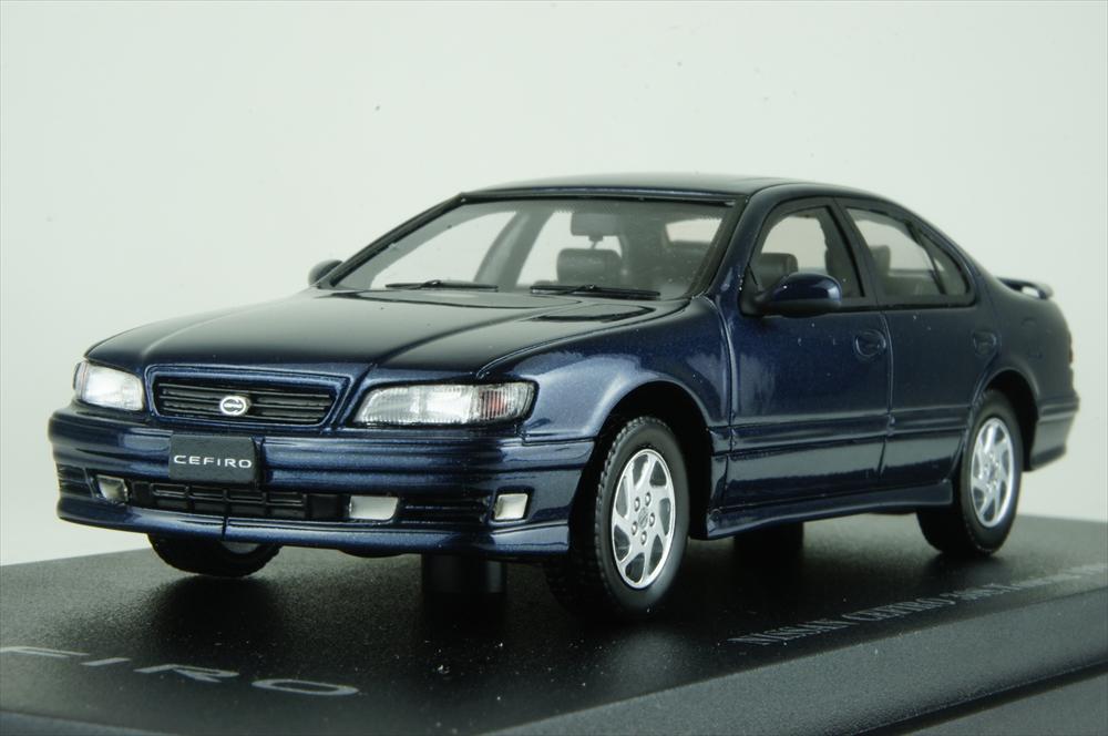 Cam@ 1/43 日産 セフィーロ (A32) 30S ツーリング 1994 ブルー 完成品ミニカー C43060