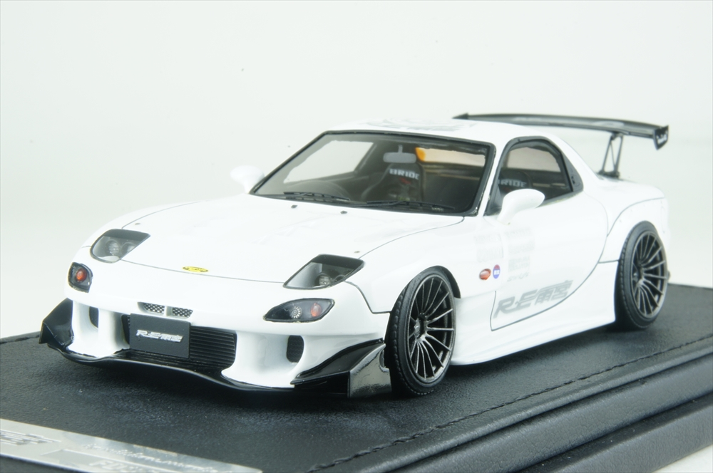 イグニッションモデル1/43 マツダ RX-7 (FD3S) RE 雨宮ホワイト 完成品ミニカー IG1340
