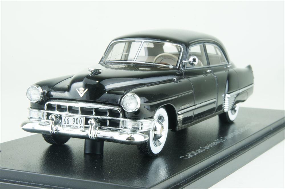 ネオ 1/43 キャデラック シリーズ62 ツーリングセダン 1949 ブラック 完成品ミニカー NEO46900