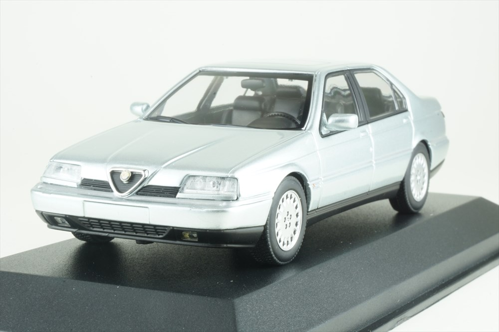 Alfa Romeo 164 3.0 V6 Super 1992 Silver MINICHAMPS 1:43 940120701 Model