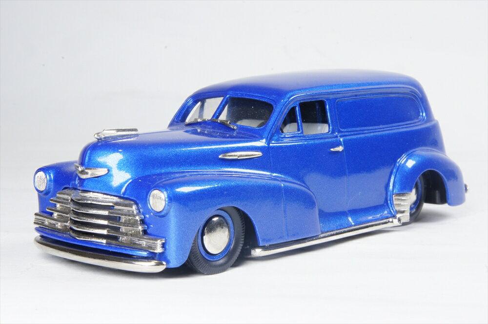ブルックリン 1/43 シボレー スタイルマスター セダン デリバリー 1947 メタリックブルー 完成品ミニカー ROD18