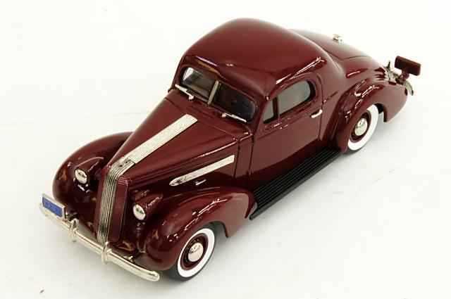 ポンティアックコレクション 1/43 ポンティアック デラックス 6 クーペ 1936 ワインレッド 完成品ミニカー PC05