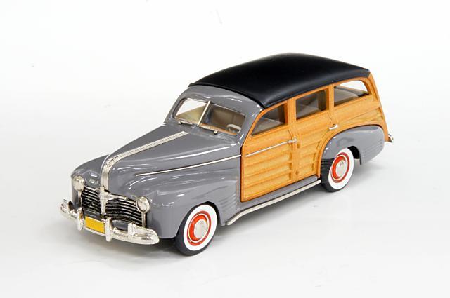 ブルックリン 1/43 ポンティアック デラックス カスタム トーピード 1941 ステーションワゴン パドックグレイポリ 完成品ミニカー BML03