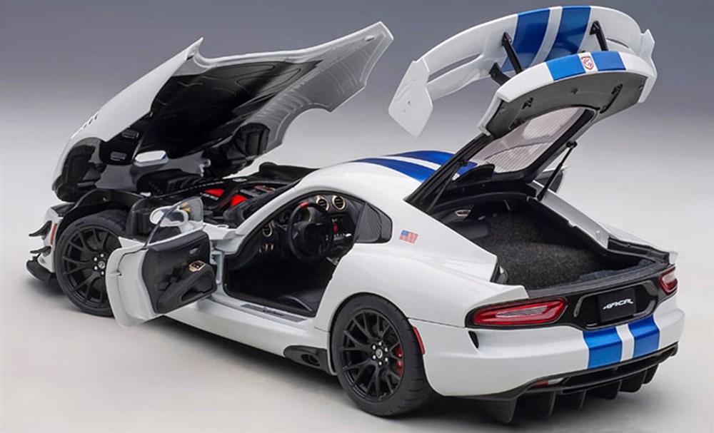 オートアート 1/18 ダッジ バイパー GTS-R コメモラティブ エディション ACR パール・ホワイト/ブルー・ストライプ 完成品ミニカー 71731