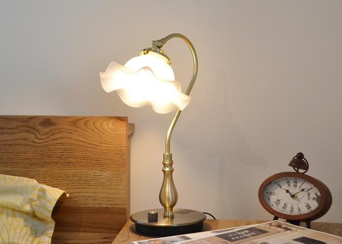 デスクランプGウェーブM 送料無料 デスクランプ テーブルランプ 机 ライト 寝室 ナチュラル カフェ風インテリア アンティーク フレンチカントリー ナチュラルインテリア 照明 LED対応 かわいい 書斎 リビング アンティーク 照明器具 卓上ライト