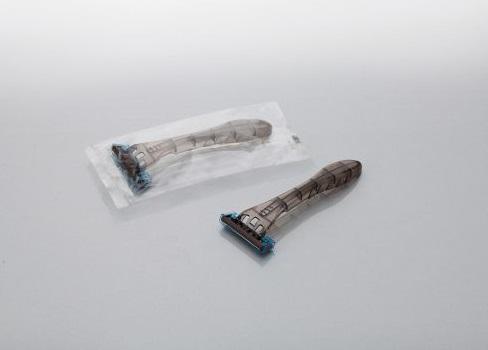 カミソリ アメニティファルコン 3枚刃首振りスムーサー付1800本 透明OP袋入ダイト
