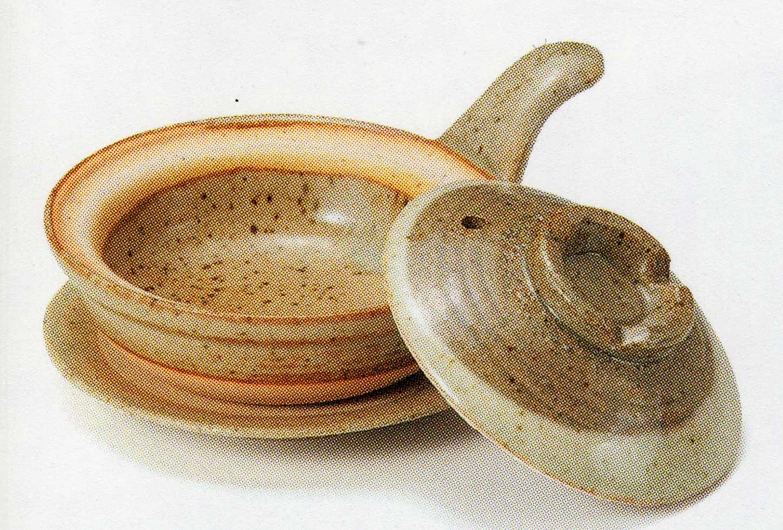 人気の製品 灰釉半掛目玉焼き器 受け皿付 驚きの値段