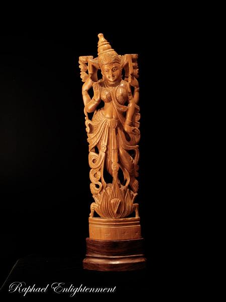 【限定1体】ラクシュミー神仏像・サンダルウッド(白檀)・総手彫り(仏像)