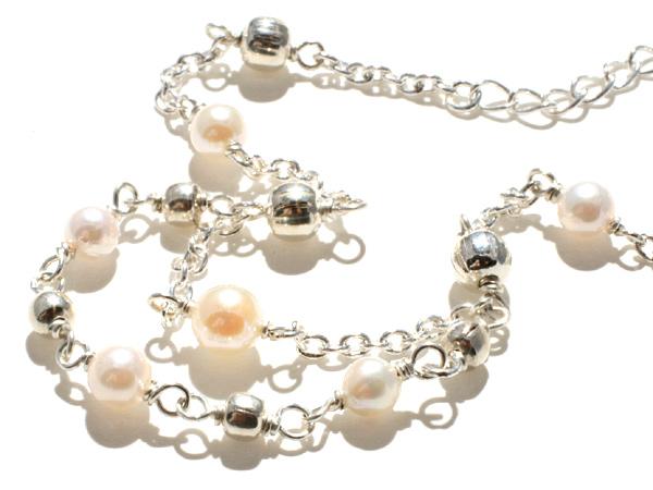 【恋する女性をより美しく】真珠・シルバービーズ・ブレスレット(フリーサイズ)【手作り商品】パワーストーン ブレスレット
