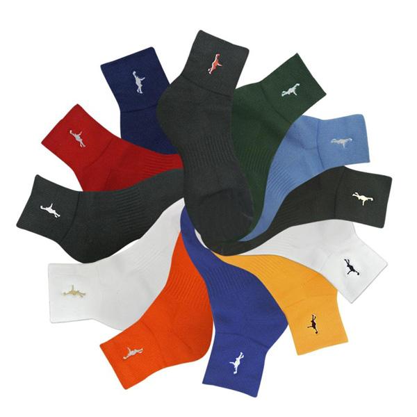 カラーも豊富で大人気のインザペイント定番バスケ靴下 1点限りネコポス対応 インザペイント AL完売しました。 IN 期間限定特価品 THE PAINT 靴下 バスケ ソックス スポーツ ITP121A バッソク