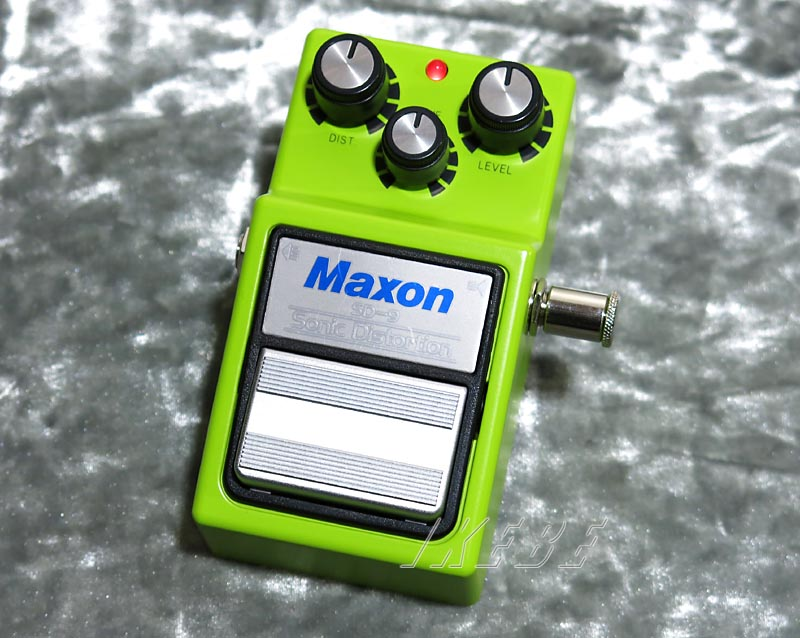 MAXON 《マクソン》 SD9(Sonic Distortion)