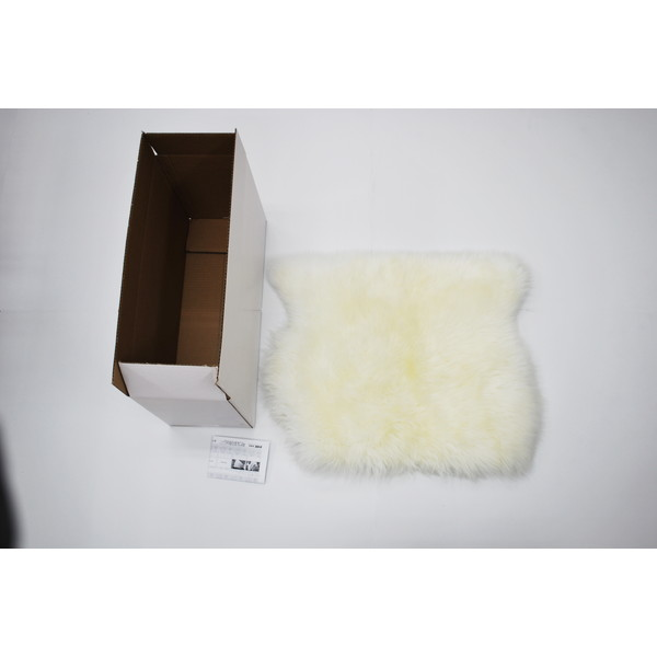 【送料無料】BMS LA-01WH ホワイト [ラグジュアリームートン クッション (長毛/サイズ60×50cm)]
