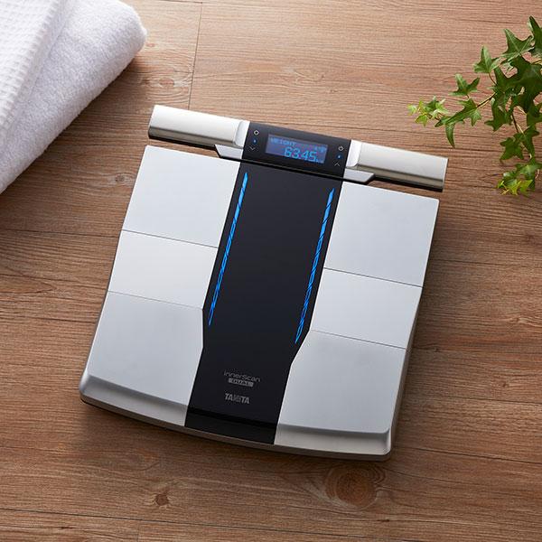 タニタ 体重計 RD-800-BK ブラック bluetooth スマホ連動 アプリで管理 TANITA 体組成計 RD800 日本製 バックライト 体重50g単位 iphone Android スマホ対応 アプリ 筋トレ 脈拍測定 ダイエット 減量