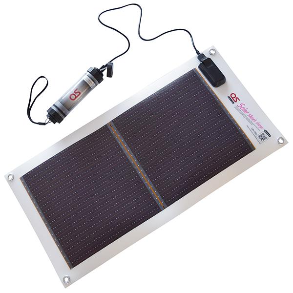 【送料無料】GN-050B1 5.4W ソーラーシートチャージャー + 2600mAh LEDライト付 防水バッテリーセット コンパクト 充電 バッテリー 持ち運び便利 アウトドア 災害時 キャンプ 夏フェス 旅行 完全防水