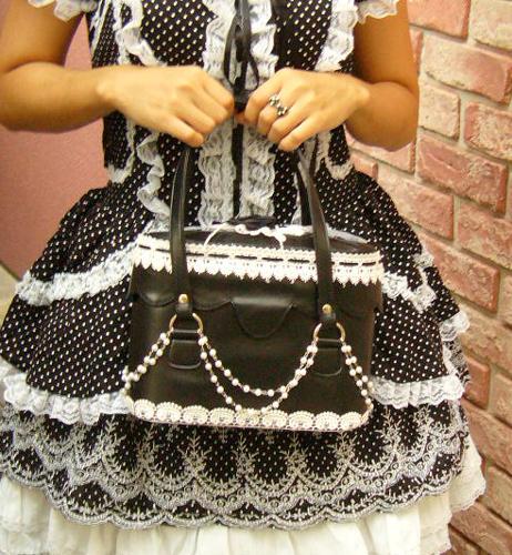 【ハロウィン】【ゴスロリ】【ロリィタ】+G.L.P111黒バラコサージュハンドバッグ